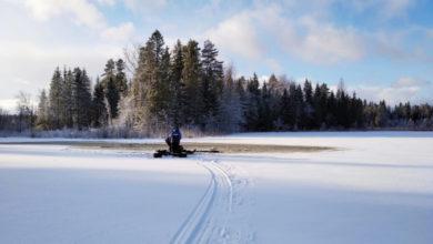 Photo of Отец на снегоходе насмерть придавил дочку в ВКО