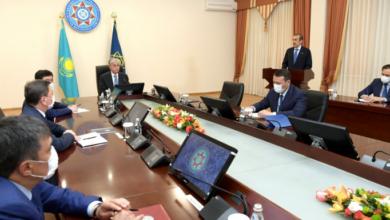 Photo of Президент  возложил цветы к стеле памяти сотрудников органов КНБ