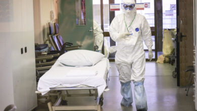 Photo of Лечение от коронавирусной инфекции продолжают получать 3 835 человека