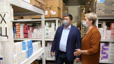 Photo of Аким Атырауской области посетил с проверкой склад стабилизационного фонда лекарств