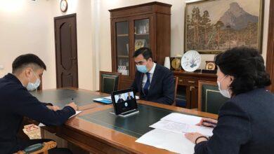 Photo of Актоты Раимкулова провела онлайн встречу с Олжасом Сулейменовым