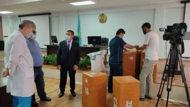 Photo of Шымкент: Предприниматель подарил 10 аппаратов ИВЛ