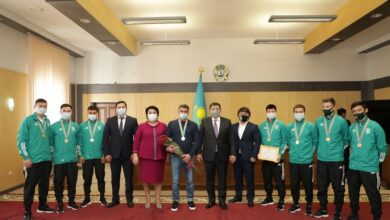 Photo of Махамбет Досмухамбетов наградил ряд спортсменов